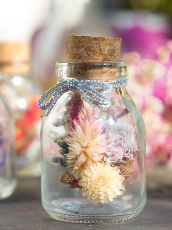 Cápsulas de flores desidratadas