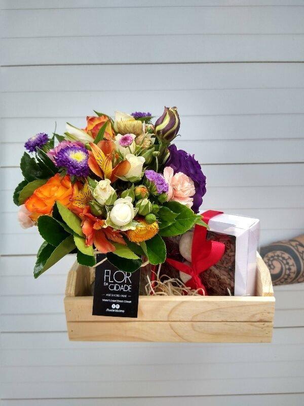 cesta de flores + brigadeiros gourmet